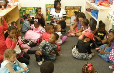 head start children in class